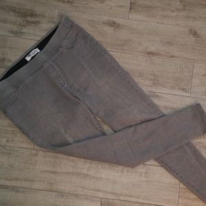 🎁Old Navy Gray Super Skinny jeggings! Size 16